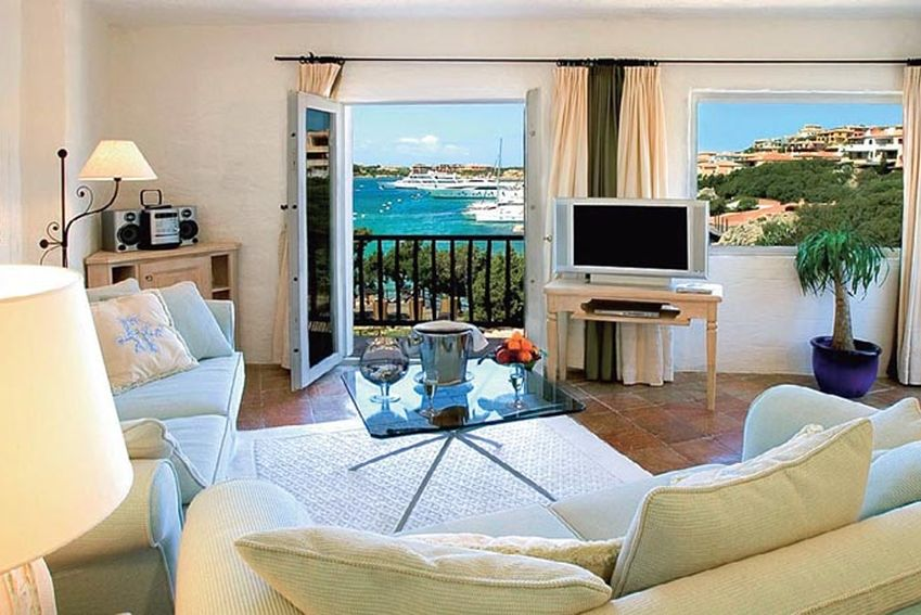 Apartments in Cervo on the coast inexpensively